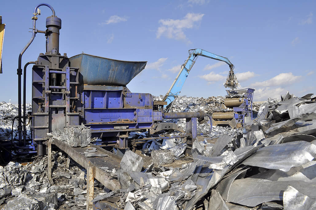Separation and chemical analysis of metal waste