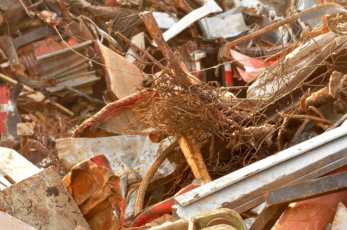 Die grundlegende Tätigkeit der Gesellschaft HOTIS RECYCLING SLOVAKIA s.r.o. sind Sammeln, Sortierung und Entsorgung von Metallmüll von natürlichen und auch von juristischen Personen.
